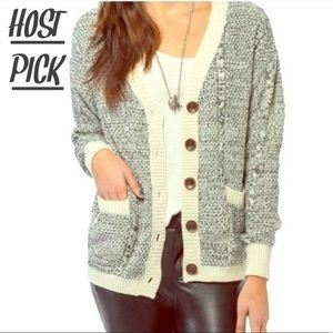 •TOBI BUTTON CABLE KNIT CARDIGAN•